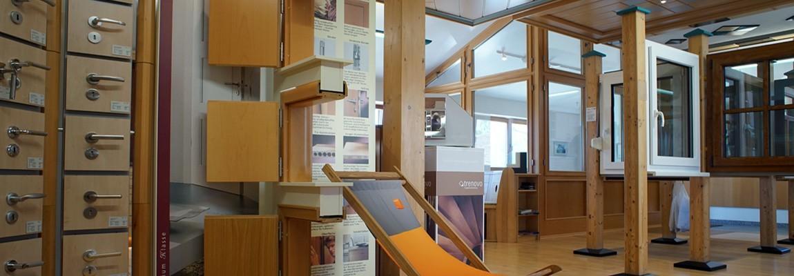 Ausstellung-der-Schreinerei-Raithel