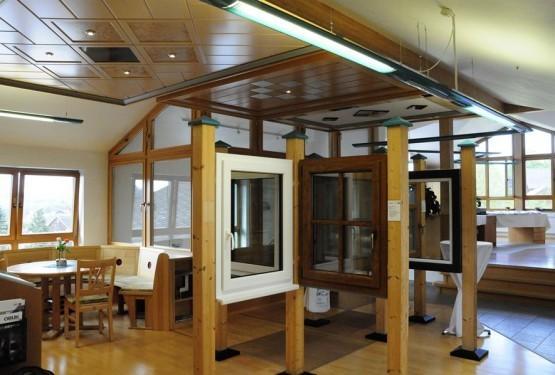 Fenster aus Holz + Kunststoff